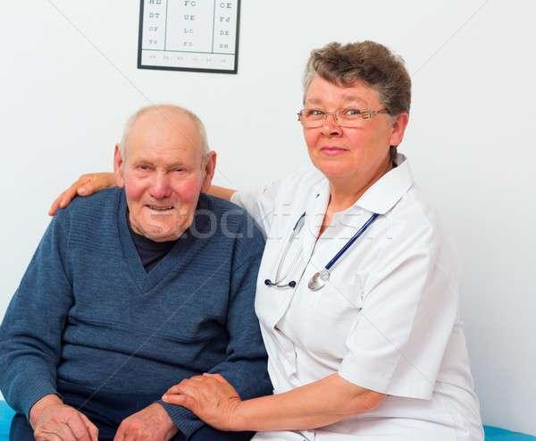 Stock fotó: Középkorú · orvos · idős · beteg · öregek · otthona · férfi