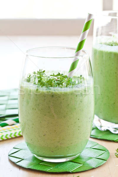 Smoothie vert herbes fraîches vert légumes smoothie Photo stock © BarbaraNeveu