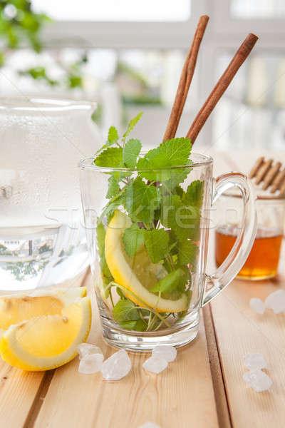 Chá fresco de copo bálsamo limão Foto stock © BarbaraNeveu