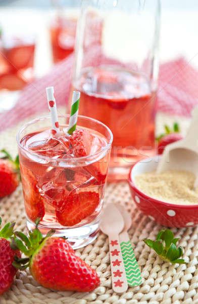 Eigengemaakt limonade vers aardbeien ijs aardbei Stockfoto © BarbaraNeveu
