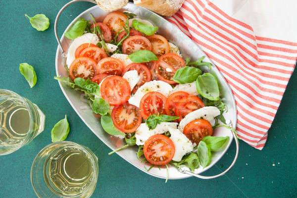 カラフル カプレーゼサラダ 新鮮な トマト ワイン ストックフォト © BarbaraNeveu