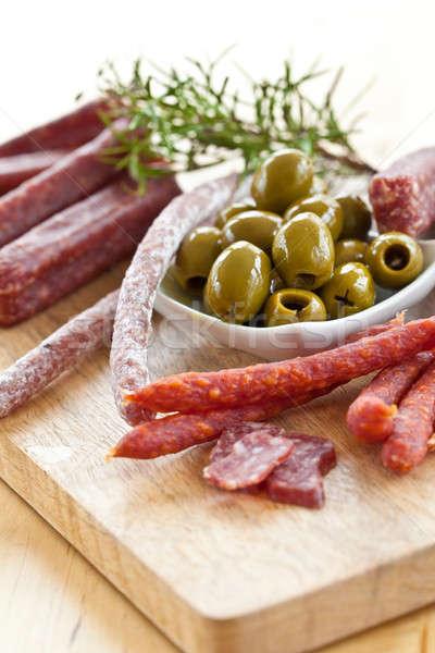 Antipasti salame azeitonas verde fresco Foto stock © BarbaraNeveu
