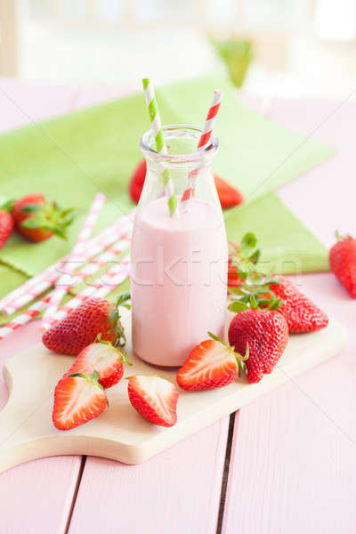 Milk with fresh strawberries Stock photo © BarbaraNeveu