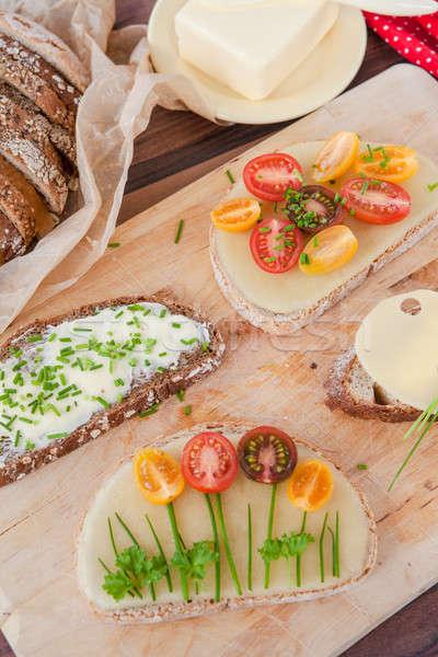 Választék szendvicsek sajt friss paradicsomok kenyér Stock fotó © BarbaraNeveu