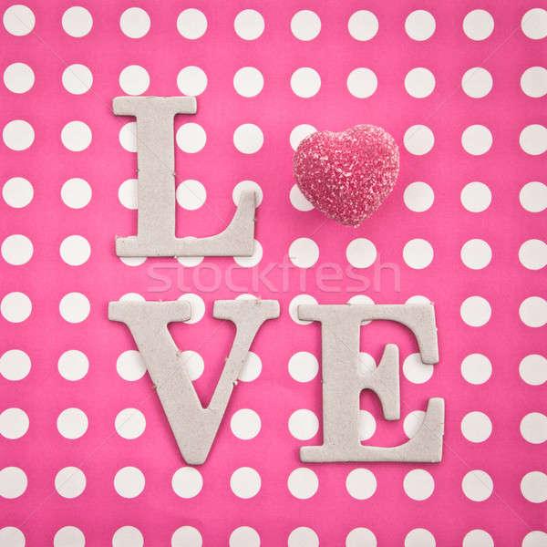 Szeretet csokoládé írott rózsaszín szív ajándék Stock fotó © BarbaraNeveu