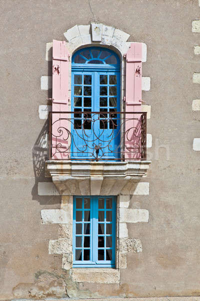 Janela varanda pequeno parede quadro azul Foto stock © BarbaraNeveu