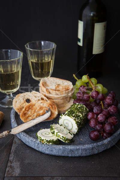 Krém sajt snidling szeletek francia kenyér szemüveg Stock fotó © BarbaraNeveu