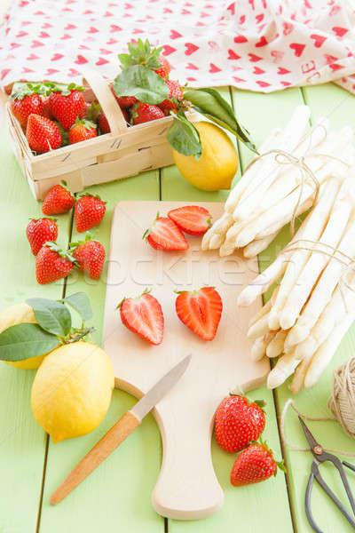 Foto stock: Branco · fresco · morangos · espargos · cedo · verão
