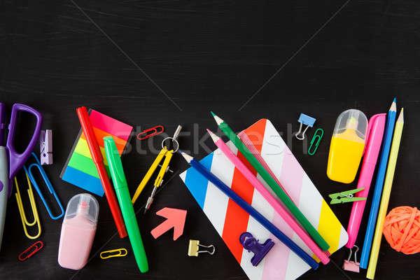 Kolorowy biuro przybory szkolne czarny szkoły tle Zdjęcia stock © BarbaraNeveu