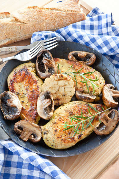 Marinált csirkemell gombák fokhagyma étel zöldségek Stock fotó © BarbaraNeveu