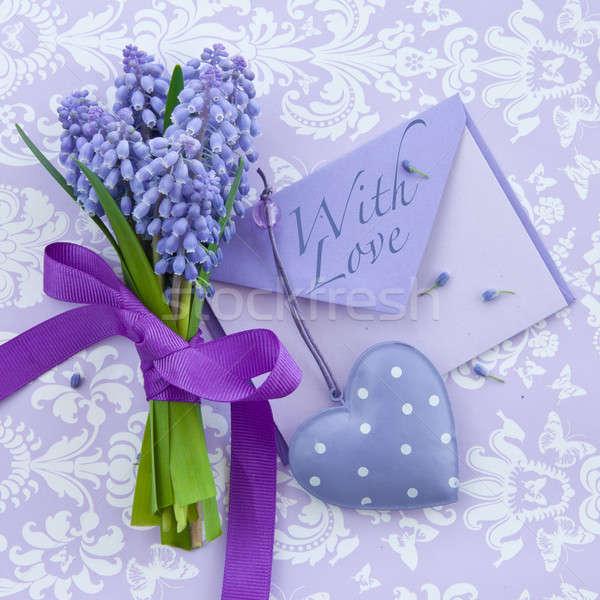Foto stock: Fresco · coração · fita · pequeno · carta · roxo