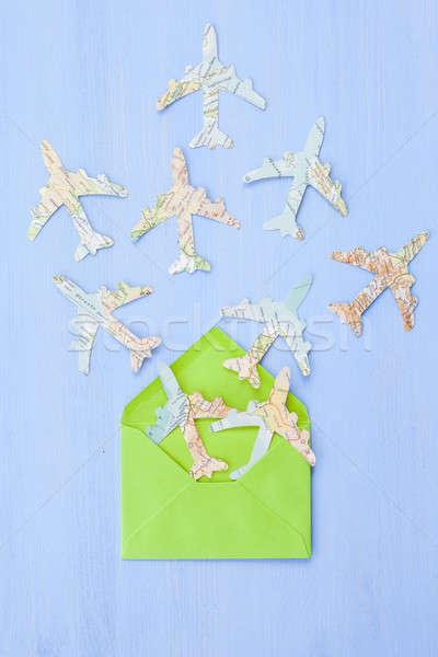 Envelop papier vliegtuigen groene vintage kaarten Stockfoto © BarbaraNeveu