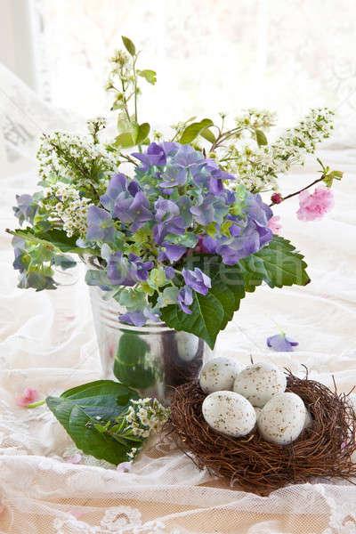 Színes virágcsokor klasszikus cink edény kék Stock fotó © BarbaraNeveu