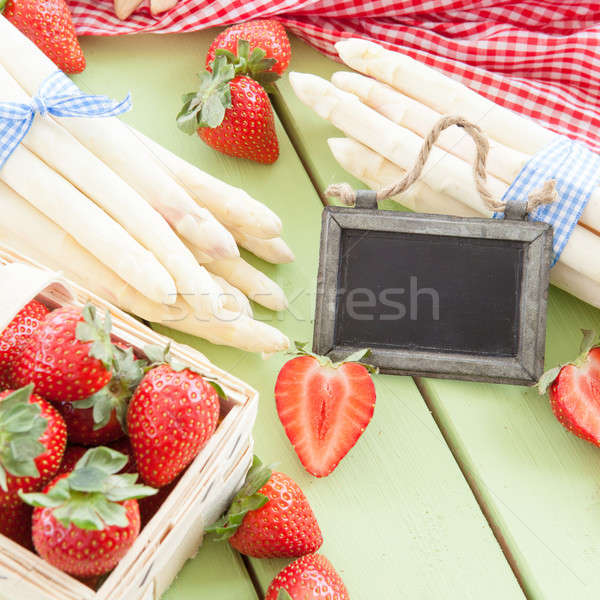 White aspargus and fresh strawberries Stock photo © BarbaraNeveu
