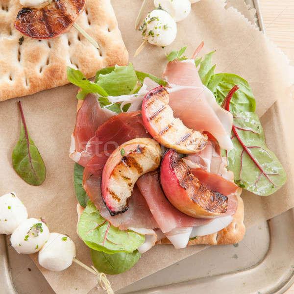 Foto stock: Sanduíche · fumado · presunto · grelhado · pêssegos