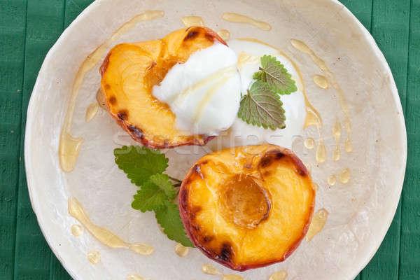 Foto stock: Grelhado · pêssego · mel · de · iogurte · verão