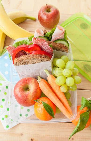 Ebéd doboz szendvicsek friss gyümölcsök szőlő Stock fotó © BarbaraNeveu