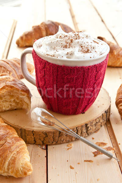 Fraîches croissants café grand mug chaud Photo stock © BarbaraNeveu