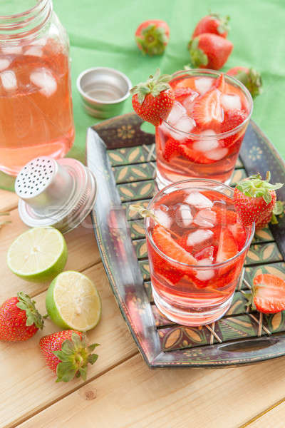 Eigengemaakt aardbei limonade vers kalk voedsel Stockfoto © BarbaraNeveu