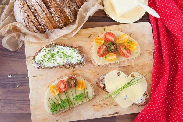 Foto d'archivio: Varietà · panini · formaggio · fresche · pomodori · alimentare