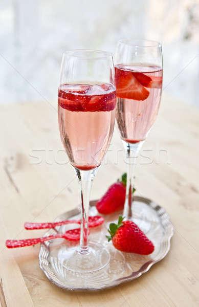 Champanhe morangos dois óculos fresco vinho Foto stock © BarbaraNeveu
