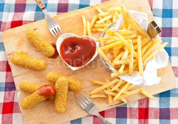 Papas fritas mozzarella frescos alimentos cesta Foto stock © BarbaraNeveu