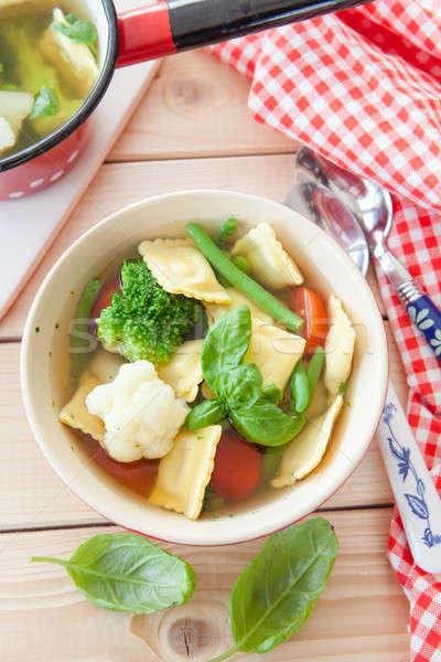 Rustykalny zupa jarzynowa domowej roboty zupa świeże warzywa zioła Zdjęcia stock © BarbaraNeveu
