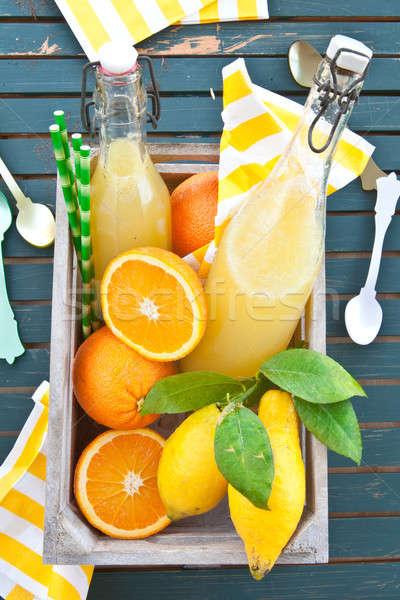 Caseiro limonada orgânico limões laranjas caixa Foto stock © BarbaraNeveu