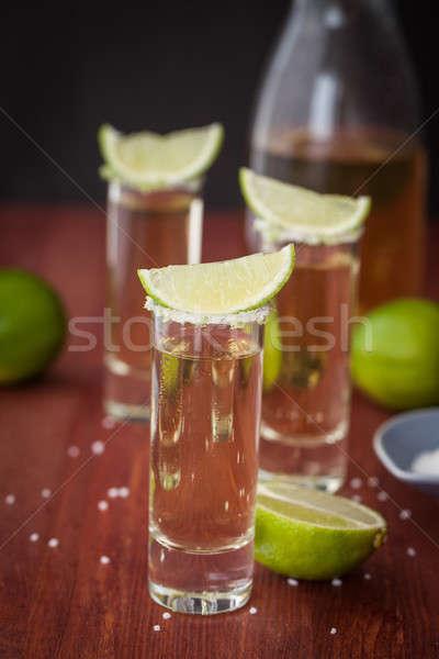 Tequila wapno soli shot okulary koktajl Zdjęcia stock © BarbaraNeveu