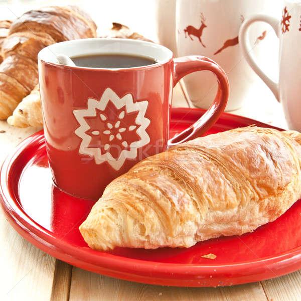 Friss croissantok kávé fából készült piros reggeli Stock fotó © BarbaraNeveu