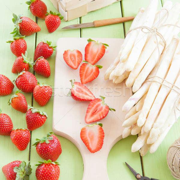 Bianco fresche fragole asparagi presto estate Foto d'archivio © BarbaraNeveu