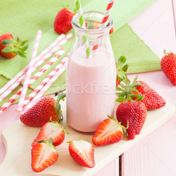 молоко свежие клубники Vintage стекла бутылку Сток-фото © BarbaraNeveu