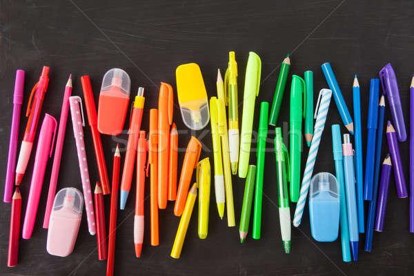 Választék színes tollak szivárvány fekete iskola Stock fotó © BarbaraNeveu