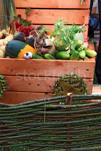 Légumes rural marché herbe bois pomme Photo stock © basel101658