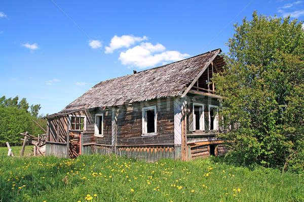 Foto stock: Velho · casa · grama · parede · casa