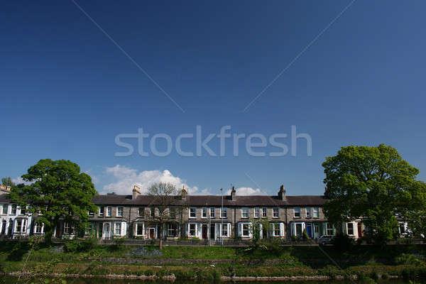 Inglés casas cielo edificio Foto stock © bayberry