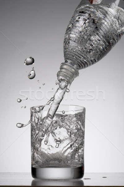 ásványvíz fehér étterem ital üveg folyadék Stock fotó © bazilfoto