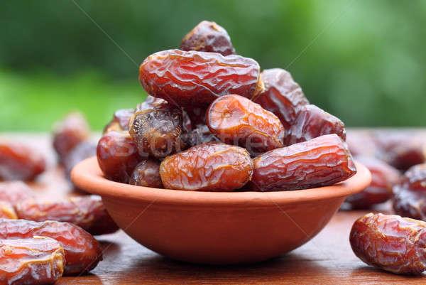 świeże arabski daty selektywne focus jedzenie tropikalnych Zdjęcia stock © bdspn