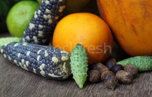 Fruits légumes colline alimentaire fruits vert Photo stock © bdspn