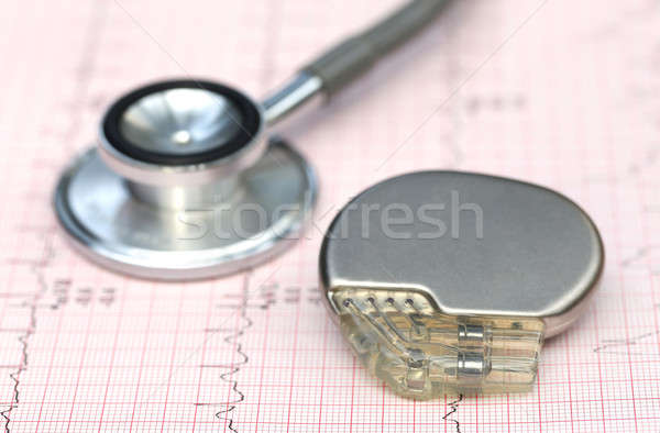 стетоскоп кардиостимулятор медицинской данные здравоохранения Сток-фото © bdspn