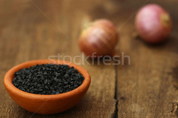 Oignon semences poterie bois surface alimentaire Photo stock © bdspn