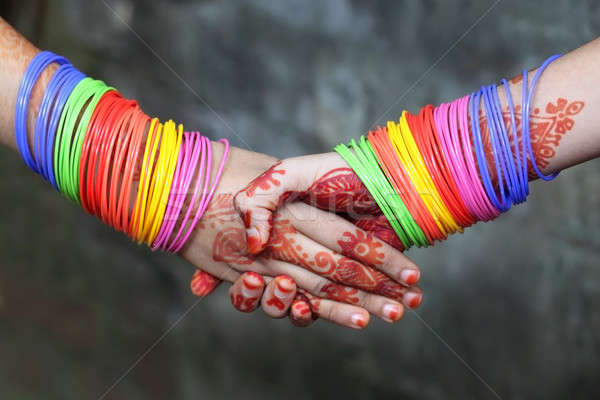 Aperto de mãos decorado colorido hena tatuagem subcontinente indiano Foto stock © bdspn