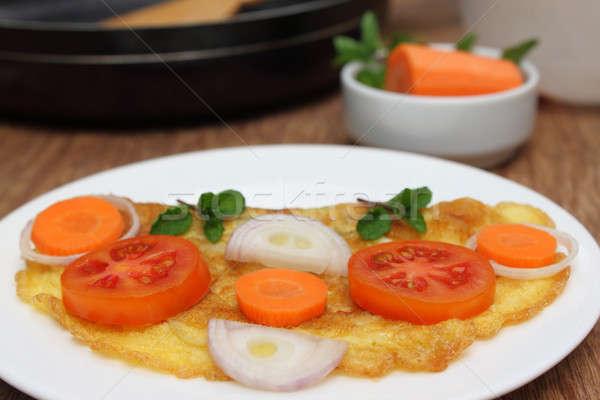 Sahanda yumurta salata plaka mutfak turuncu yeşil Stok fotoğraf © bdspn
