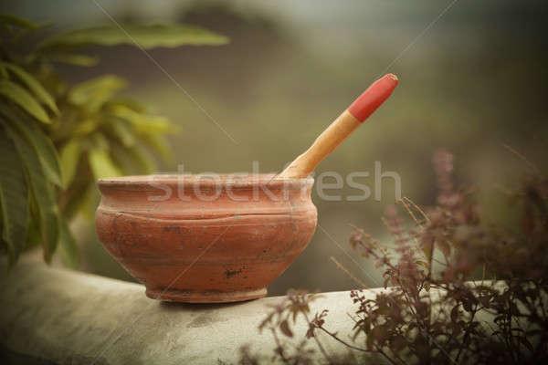 Pędzlem ceramiki zewnątrz ściany farby czerwony Zdjęcia stock © bdspn
