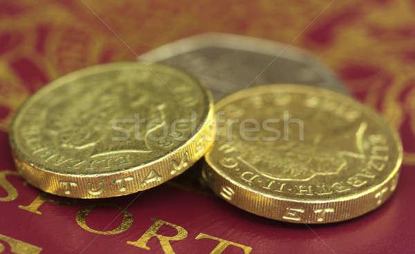 Brit font bank jegyzetek útlevél pénz Stock fotó © bdspn