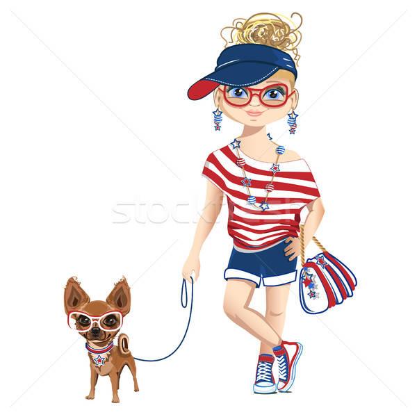 Alla moda ragazza piccolo cane amore donne Foto d'archivio © bedlovskaya