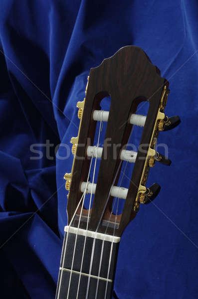 Klasyczny gitara głowie wykonany ręcznie kluczowych orzech Zdjęcia stock © beemanja