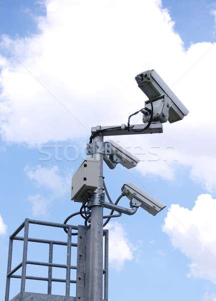 Cctv kameralar gökyüzü teknoloji güvenlik yaz Stok fotoğraf © beemanja