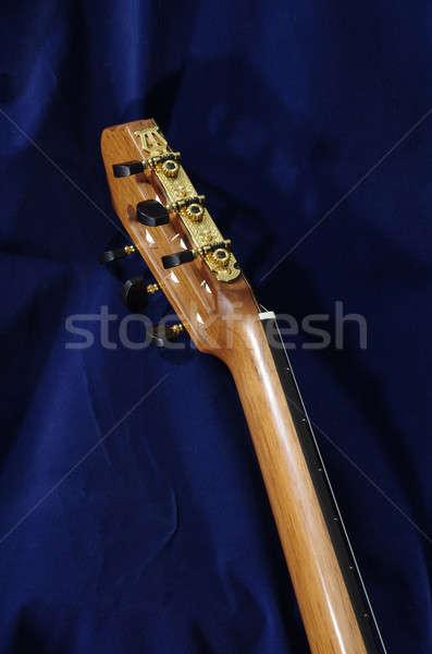 Klasyczny gitara głowie wykonany ręcznie drewna kluczowych Zdjęcia stock © beemanja