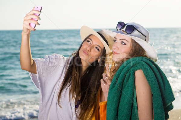 довольно женщины пляж Сток-фото © belahoche